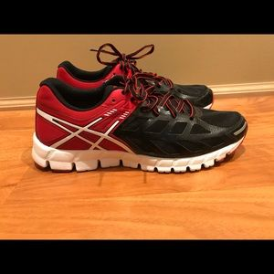 NWT-ASICS Gel Lyte33 running shoe sz 9. No box
